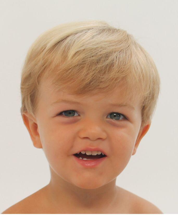 Taglio capelli bambino  la domanda che molte mamme e papà si fanno è ... 8e405e4b3c08