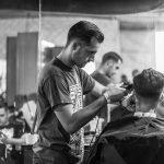 Raffigura un salone parrucchieri